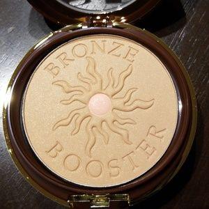 Glow-Boosting Beauty Balm BB Bronzer